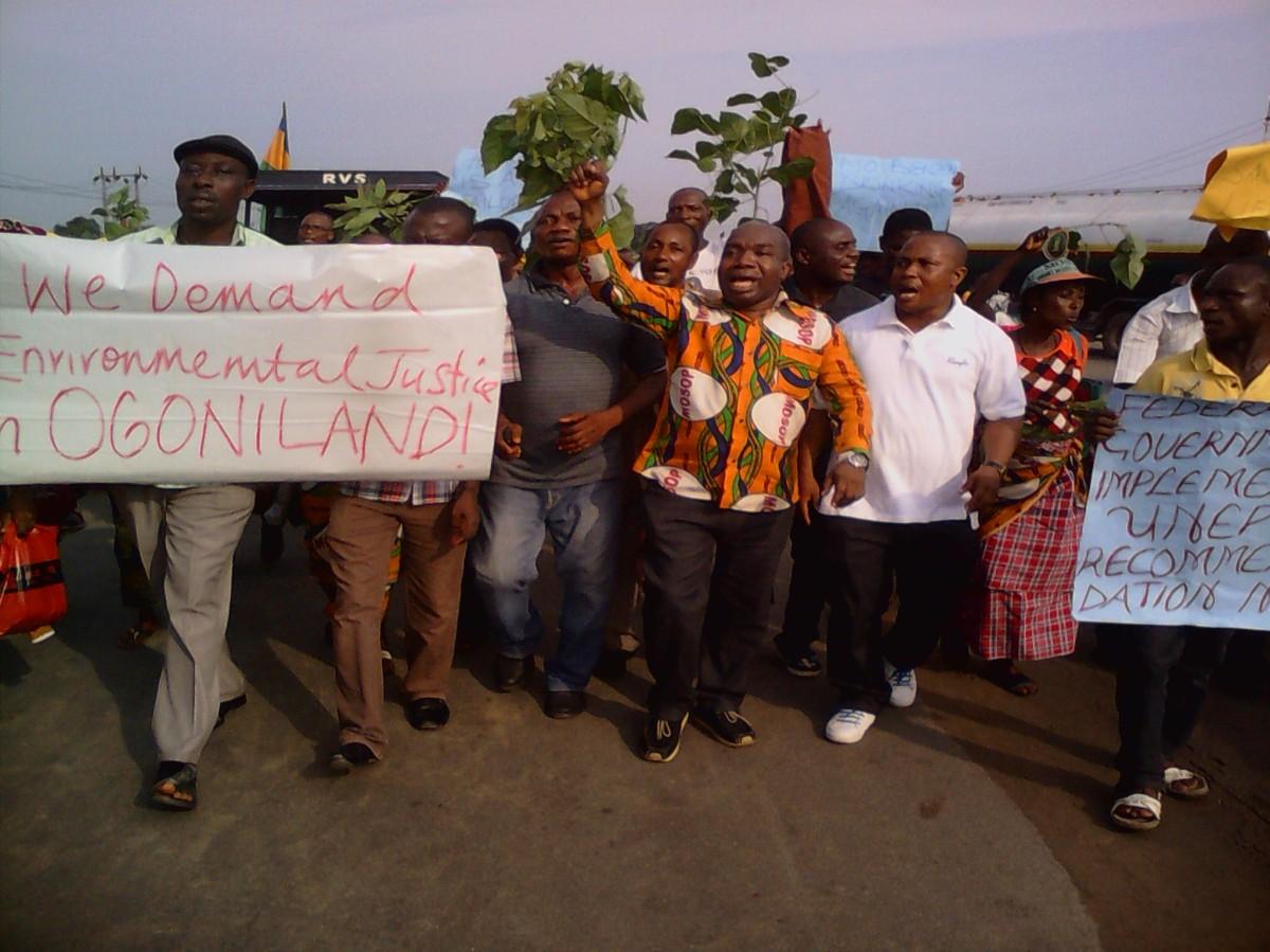 Großer Protestmarsch der Ogoni am Internationalen Tag derMenschenrechte