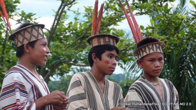 Die indigene Gruppe der Ashaninka lebt im Grenzgebiet zwischen Brasilien und Peru. Sie kämpfen tagtäglich gegen illegale Holzfäller und Drogenmafia. Anfang September wurde einer ihrer politischen Anführer zusammen mit drei weiteren Mitgliedern der Gemeinschaft ermordet.